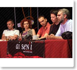 """Në teatrin """"Dodona"""" sonte vjen para publikut shfaqja """" Ai sen'i"""", e regjisorit Kastriot Saqipi"""