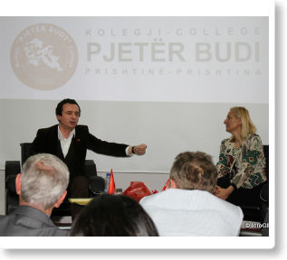 """Albin Kurti debatoi me studentët e Kolegjit """"Pjetër Budi"""""""