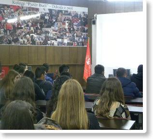 """Nxënësit e shkollës së mesme """"Hoxhë Kadri Prishtina"""" vizituan Kolegjin """"Pjetër Budi"""""""