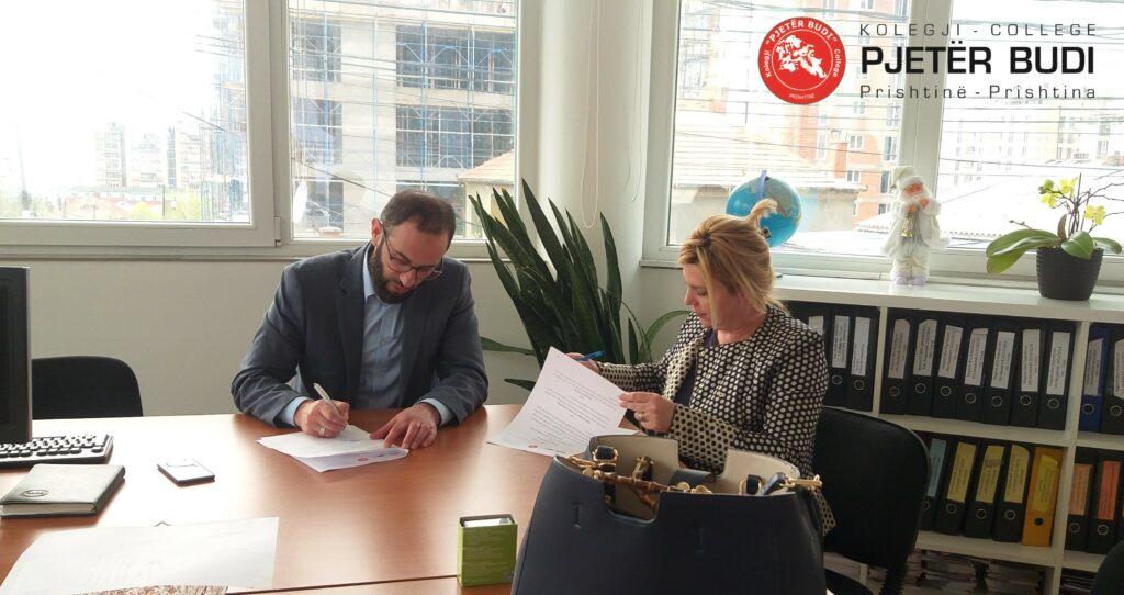 """Kolegji """"Pjetër Budi"""" nënshkruan marrëveshje bashkëpunimi me  S.T.A (Country Master Distributor for ETS)"""