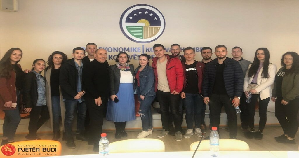 """The students of the college """"Pjetër Budi"""" visited the Kosova Chamber of commerce"""